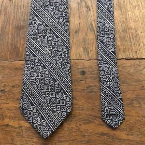 Unique tie: museum issue with design from Mali